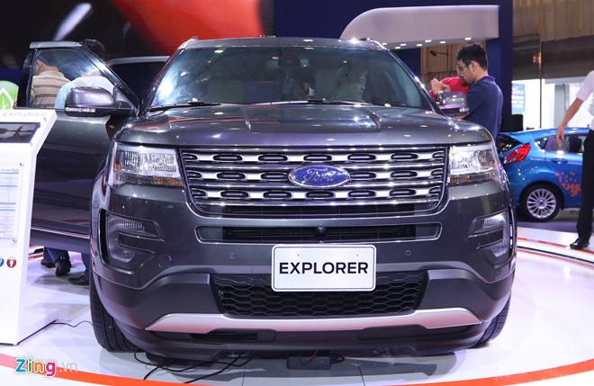 01-chi-tiet-ford-explorer-2017-tai-vn-manh-me-dam-chat-my