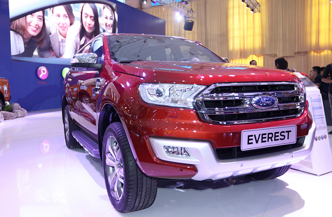 chiem-nguong-gia-dinh-dong-co-ecoboost-cua-ford-tai-trien-lam-o-to-viet-nam-2016-5