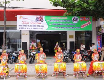 JUBILANTLY LAUNCHING THE WARRANTY MAINTENANCE & REPAIR SERVICE CENTRE OF MOTORCYCLES, MOTOR SCOOTERS, MOTORBIKES IN DA NANG CITY